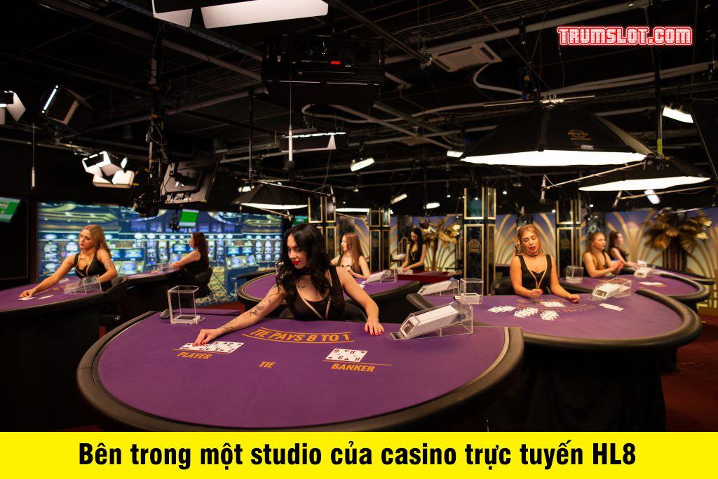 phòng thu có người thật chia bài của casino
